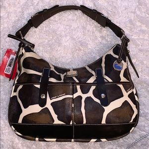New! Dooney & Bourke Medium safari bag $295